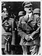 Benito Mussolini y Adolf Hitler en un desfile en Nuremberg (1933). Revolucije Narodnosti Jugoslavije