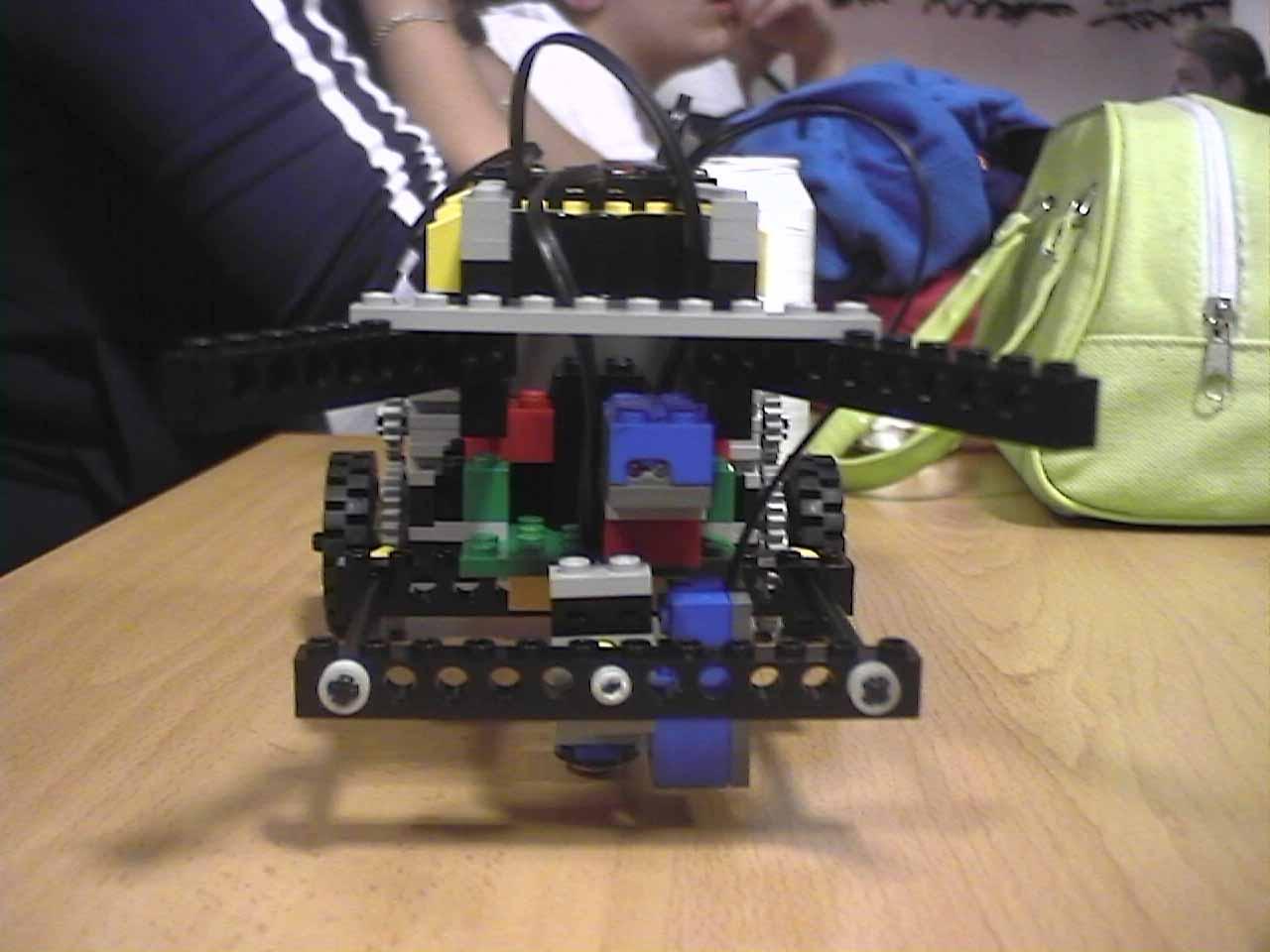 Robot Autonomo Pdf Robots Móviles Autónomos