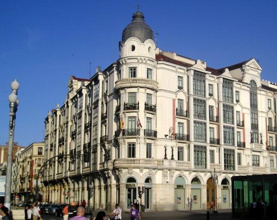 Valladolid for Casa de los azulejos arquitectura
